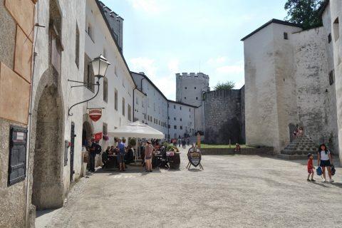 ザルツブルク城の中庭
