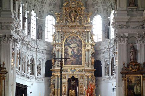 ミヒャエル教会の祭壇