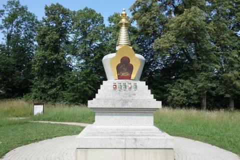 メンヒスベルクの仏教寺院