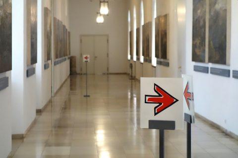 munchner-residenz-museum/順路の矢印