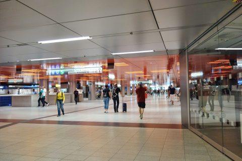 ミュンヘン地下鉄駅構内