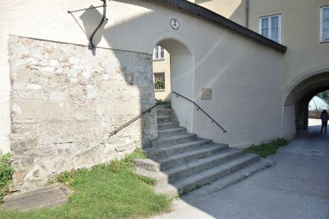 ノンベルク修道院の通用口