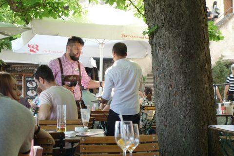 panorama-restaurant-salzburg/新人の店員