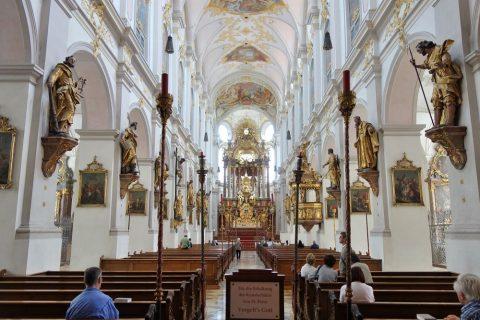 ペーター教会の内部