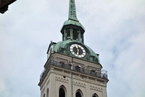 ペーター教会の時計台