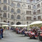 ミュンヘン新市庁舎の中庭にあるレストランへ!Ratskeller München