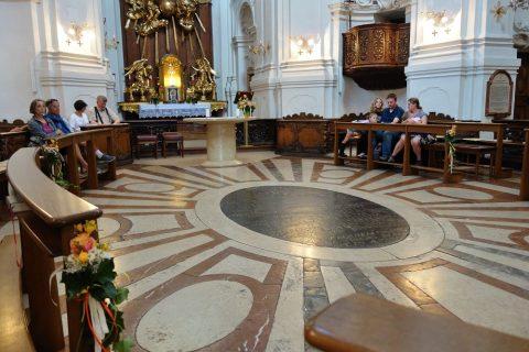 聖トリニティ教会コンサートの座席