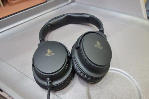 シンガポール航空ビジネスクラス/ノイズキャンセリングヘッドフォン