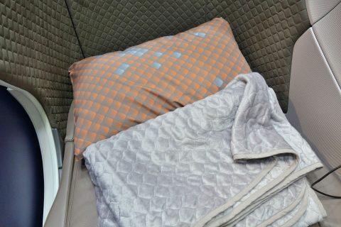 シンガポール航空ビジネスクラス/寝具