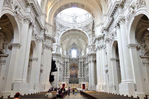 テアティナー教会の内部