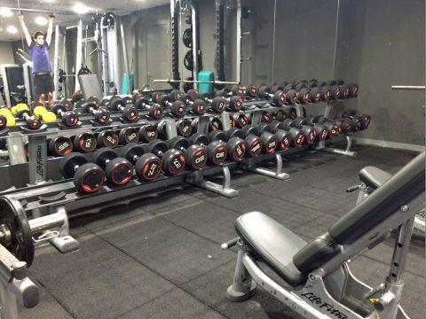 anytime-fitness-barcelona/ダンベル