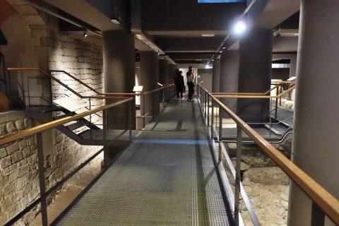museu-d-historia-de-la-ciutat-barcelona/歩道