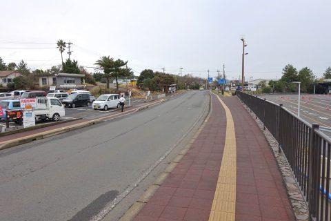 桜島港バス停乗り場