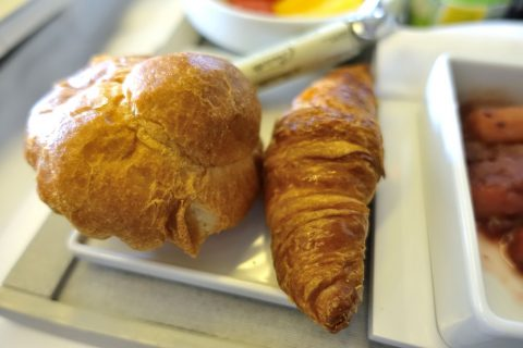エールフランスビジネスクラス機内食のパン