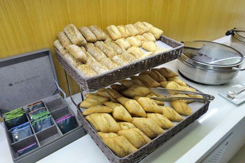 エールフランスLOUNGE/ランチタイムのパン