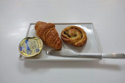 airfrance-lounge-2f/パンの試食