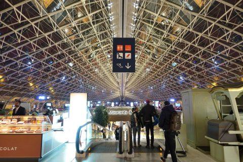 パリCDG空港ターミナル2F