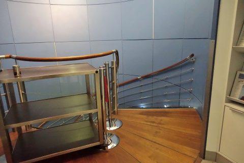 airfrance-lounge-2f/螺旋階段