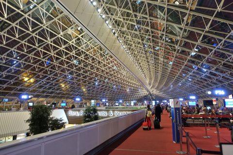 パリCDG空港ターミナルの大屋根