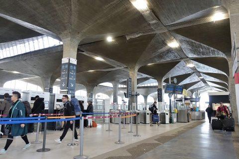 パリCDGのRER駅