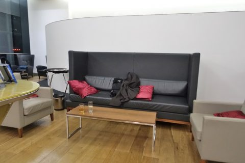 galleries-first-lounge-london-t5/ソファー