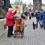 ヨーロッパに出没「路上パフォーマー」が面白い!楽器、立像、造形など