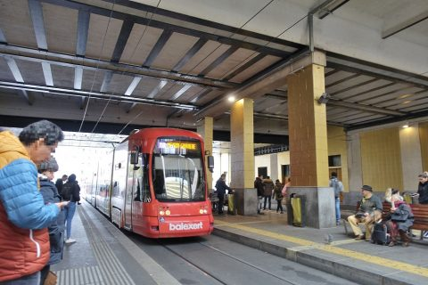 Cornavin駅のトラム乗り場