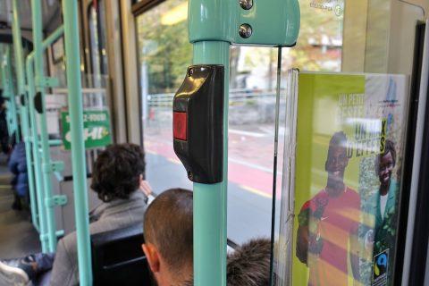 geneva-tram/降車ボタン