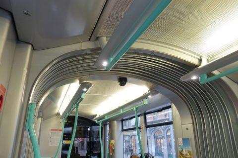 geneva-tram/防犯カメラ