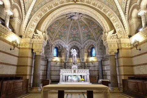 notre-dame-de-fourviere-lyon/地下聖堂の祭壇
