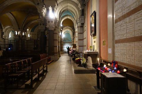 notre-dame-de-fourviere-lyon/地下聖堂の側廊