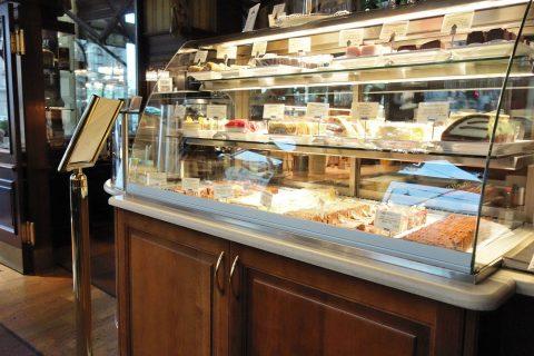 Cafe-Schwarzenberg/ケーキのショーケース