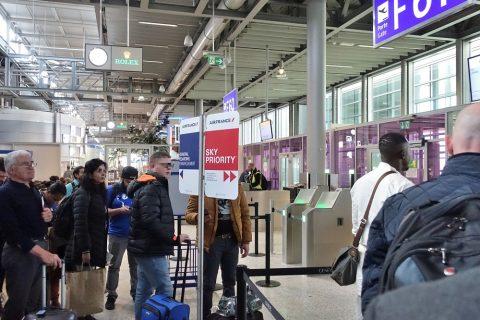 ジュネーブ空港搭乗口