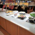 パリCDG空港AFラウンジ/シャンパンと軽食タイムのビュッフェ