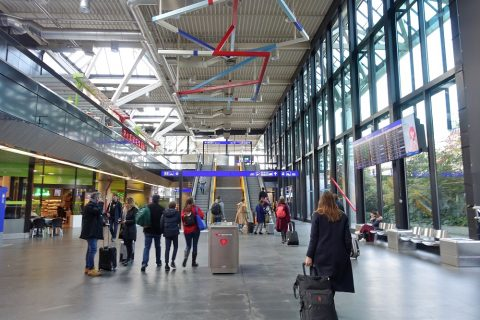 ジュネーブ国際空港ターミナル駅