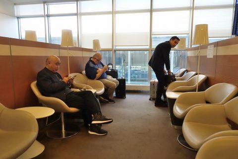 geneva-airport-lounge/椅子