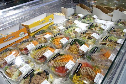 チキン入りのサラダ/ジュネーブのスーパー