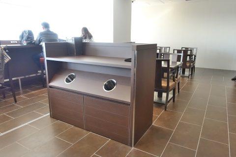 haneda-dp-lounge/使用済み容器の台