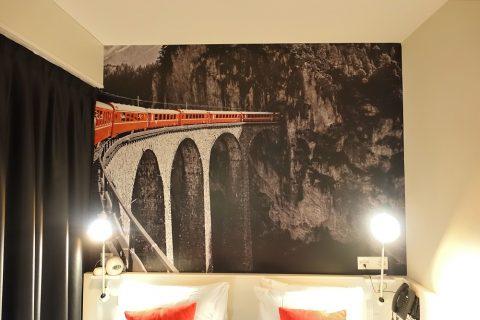 home-swiss-hotel/スイス鉄道の絵