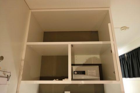 home-swiss-hotel/収納棚