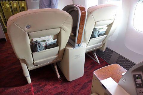 JAL国内線ファーストクラスのシートピッチ