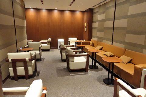 naha-diamond-premier-lounge/奥のエリア