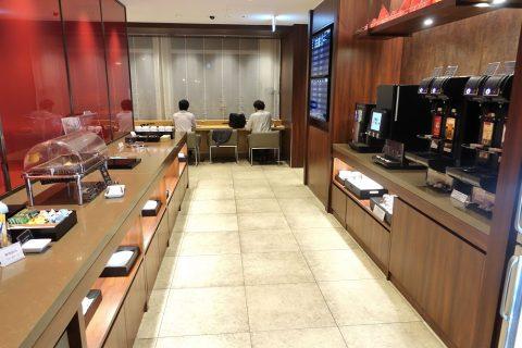 naha-diamond-premier-lounge/ビュッフェカウンター