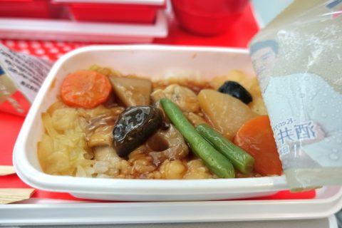 JALエコノミークラス機内食のメイン