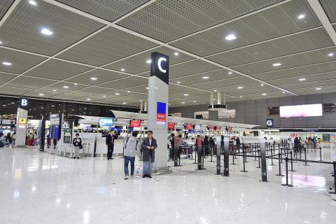成田空港チェックインカウンターBとC