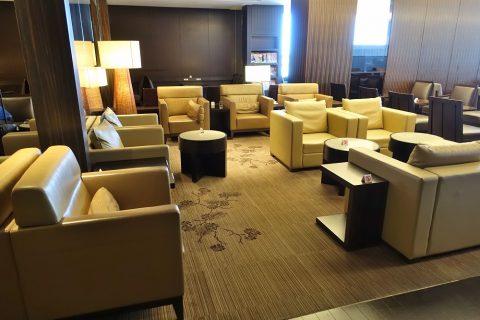 narita-jal-firstclass-lounge-3f/ソファー