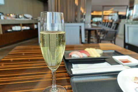 narita-jal-firstclass-lounge-3f/シャンパン
