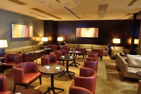 narita-jal-firstclass-lounge-3f/喫煙ルームの中