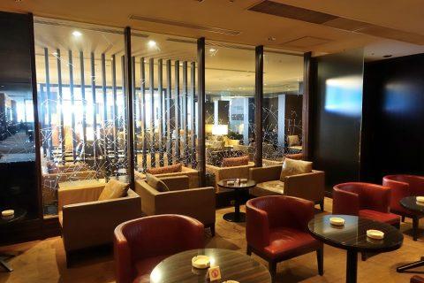 narita-jal-firstclass-lounge-3f/喫煙ルームの窓
