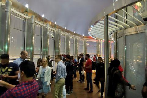 burj-khalifa/125階のデッキ